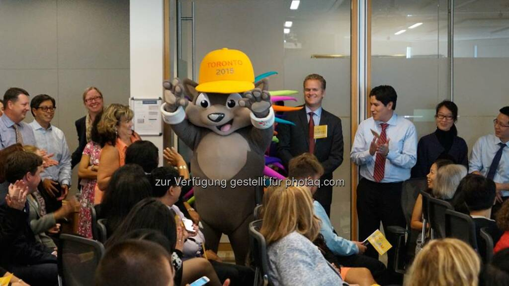 Barrick Gold: Pachi greets Barrick people at the company's Toronto head office who gathered for the announcement that Barrick is the Official Metal Supplier to the 2015 Pan Am and Parapan Am Games.  Source: http://facebook.com/barrick.gold.corporation, © Aussender (03.10.2014)