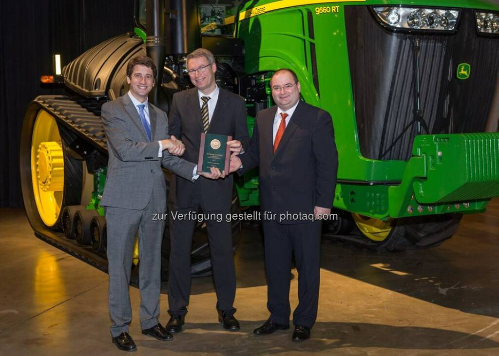 voestalpine John Deere, the global leader in agricultural technology, has recognized #Buderus Edelstahl GmbH as an excellent supplier for the second consecutive year. http://bit.ly/1rWbwu0  Source: http://facebook.com/voestalpine, © Aussender (09.10.2014)