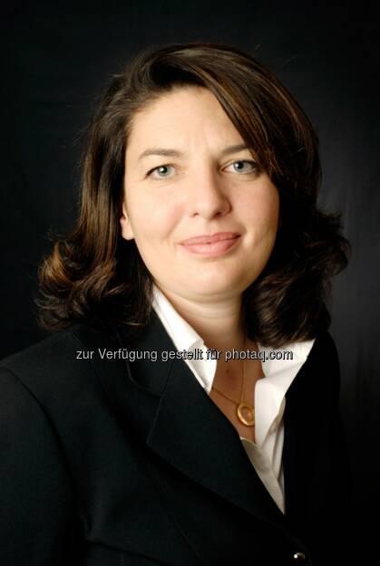 Valérie Baudson (Global Head of ETF & Indexing bei Amundi) verfolgt das ambitionierten Ziel, die Assets under Management in den nächsten drei Jahren zu verdoppeln. Als Wachstumssegmente sieht Amundi insbesondere Smart-Beta- sowie Low-Carbon-Investments. (Bild: Amundi), © Aussender (09.10.2014)