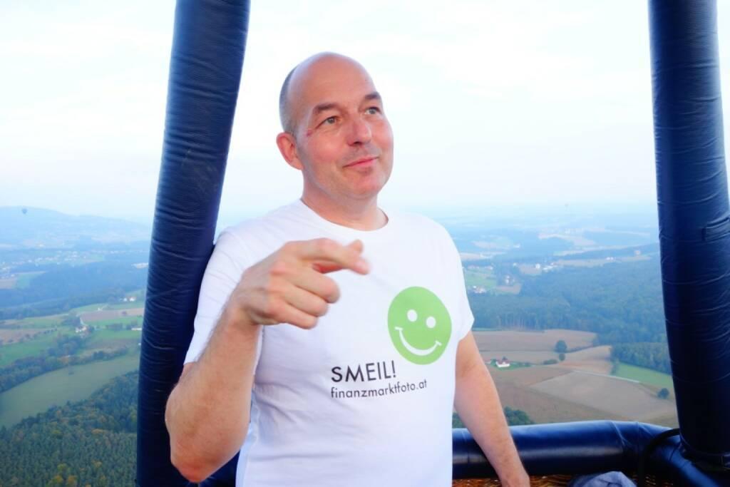 Dirk Hermann Smeil aus dem Ballon über der Steiermark. Mehr von Dirk unter http://photaq.com/page/index/605  (13.10.2014)