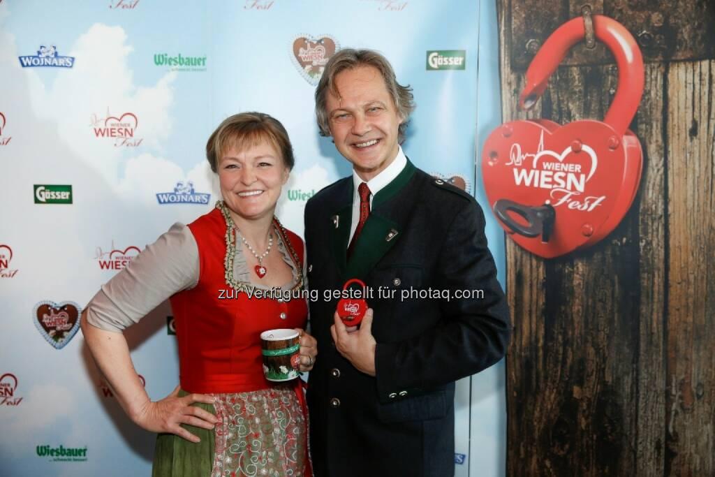 Das Geschäftsführer-Duo Claudia Wiesner und Christian Feldhofer: Wiener Wiesn Fest: Wiener Wiesn-Fest 2014: Besucherrekord mit 250.000 Gästen, © Aussender (13.10.2014)
