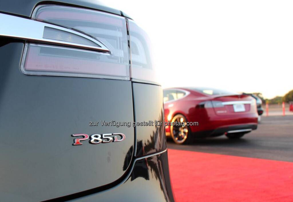 The badge on Tesla's new P85D, the fastest accelerating four-door production car ever made. The P85D accelerates from 0 to 60 mph in 3.2 seconds and has a top speed of 155 mph. More details on our blog: http://bit.ly/1tMThFt  Source: http://facebook.com/teslamotors, © Aussender (14.10.2014)