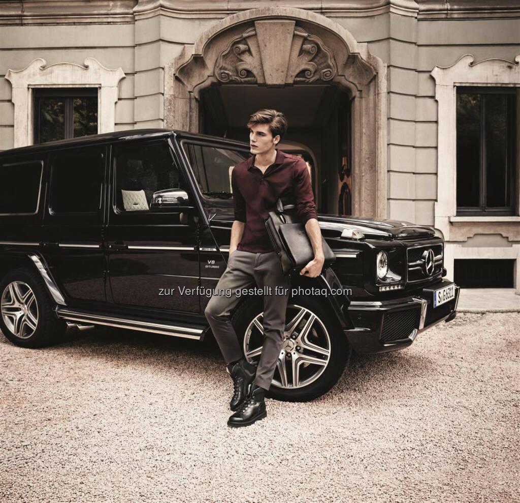 Daimler AG: Neueste Produkte aus der Kooperation von Mercedes-AMG und dem Premium-Lederwarenhersteller Santoni: ein markanter Ankle Boot und ein puristisch geschnittener Rucksack als Hommage an den legendären G 63 AMG., © Aussendung (17.10.2014)