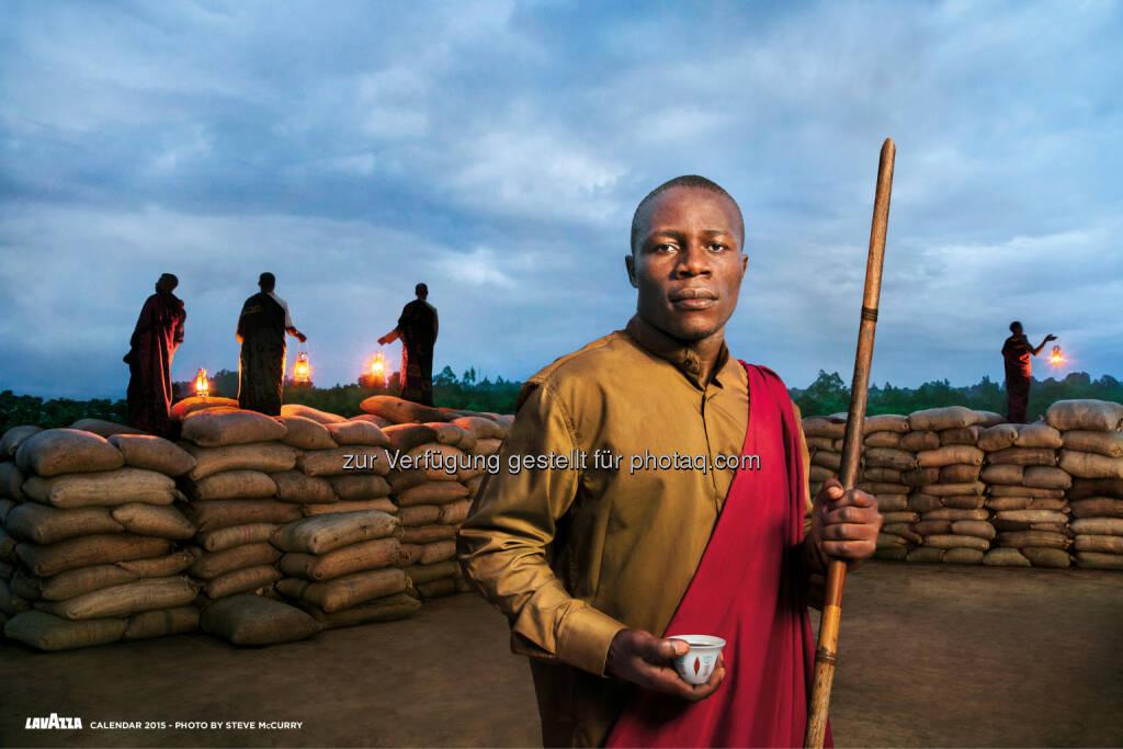 Lavazza Kaffee GmbH: Lavazza Kalender 2015: Earthdefenders - Steve McCurry porträtiert für Lavazza und Slow Food nachhaltige Projekte in Afrika, © Aussendung (23.10.2014)