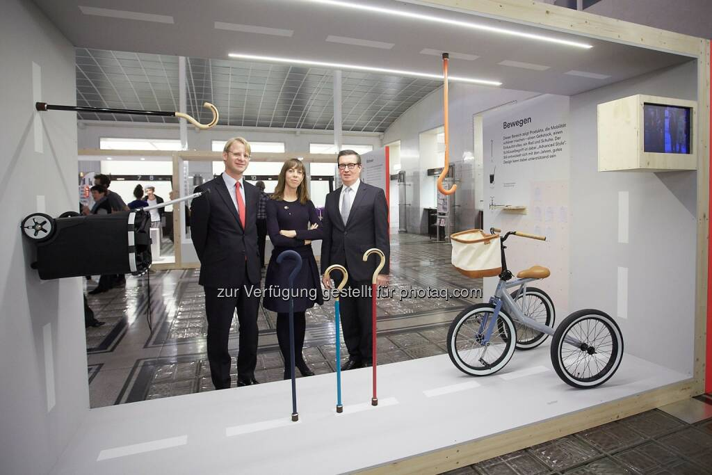 Markus Gremmel - Marketingleiter Bawag PSK, Kathrina Dankl - Kuratorin und Rudolf Leeb - Leiter Marketing Sponsoring Bawag PSK: Ausstellung Design Diversity in der Bawag PSK Zentrale, 1018 Wien, Georg-Coch Platz 2., © Aussendung (24.10.2014)