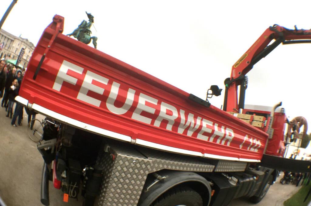 Feuerwehr mit Palfinger-Kran (26.10.2014)