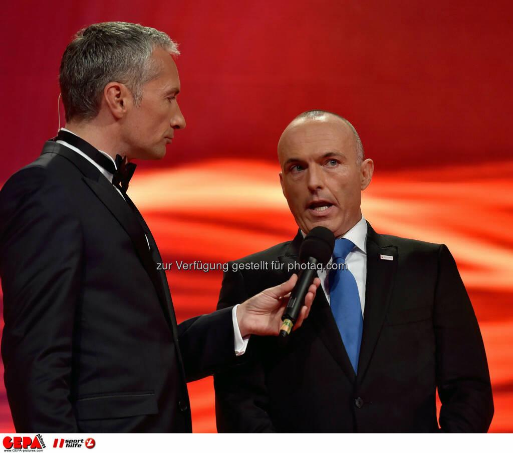 Rainer Pariasek und Minister Gerald Klug. Photo: GEPA pictures/ Michael Riedler, ©  Gepa pictures/ Michael Riedler (31.10.2014)