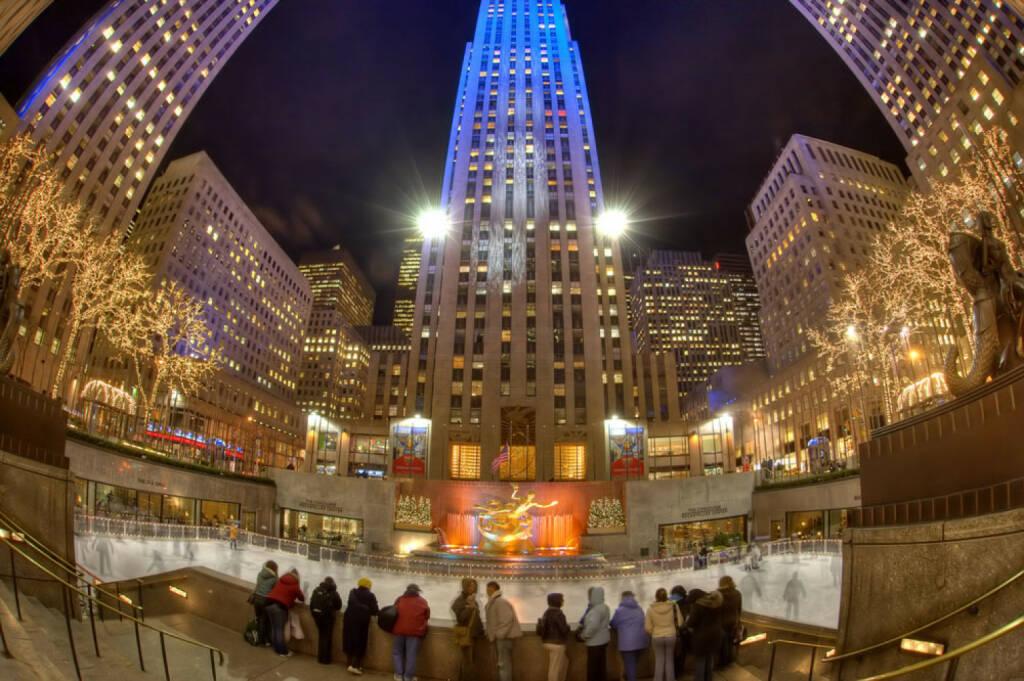 Weihnachten, New York City, USA, Rockefeller Center, Eislaufen, <a href=http://www.shutterstock.com/gallery-51516p1.html?cr=00&pl=edit-00>emin kuliyev</a> / <a href=http://www.shutterstock.com/editorial?cr=00&pl=edit-00>Shutterstock.com</a>, emin kuliyev / Shutterstock.com, © www.shutterstock.com (05.11.2014)