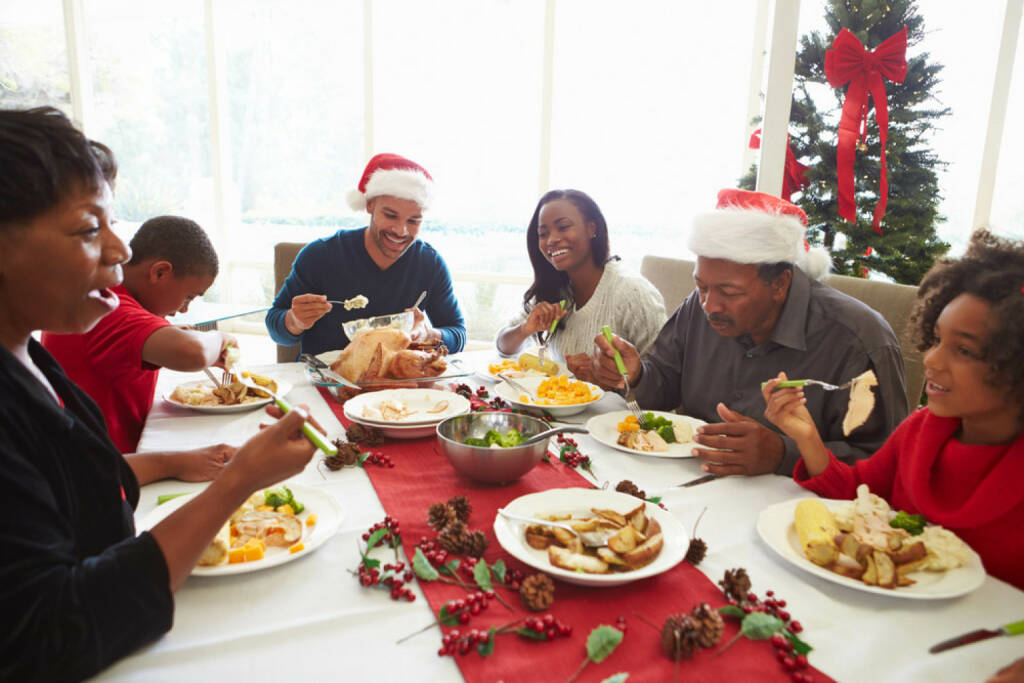 Weihnachten, USA, Weihnachtsessen, Essen, Truthahn, Turkey, http://www.shutterstock.com/de/pic-168816029/stock-photo-multi-generation-family-enjoying-christmas-meal-at-home.html, © www.shutterstock.com (05.11.2014)