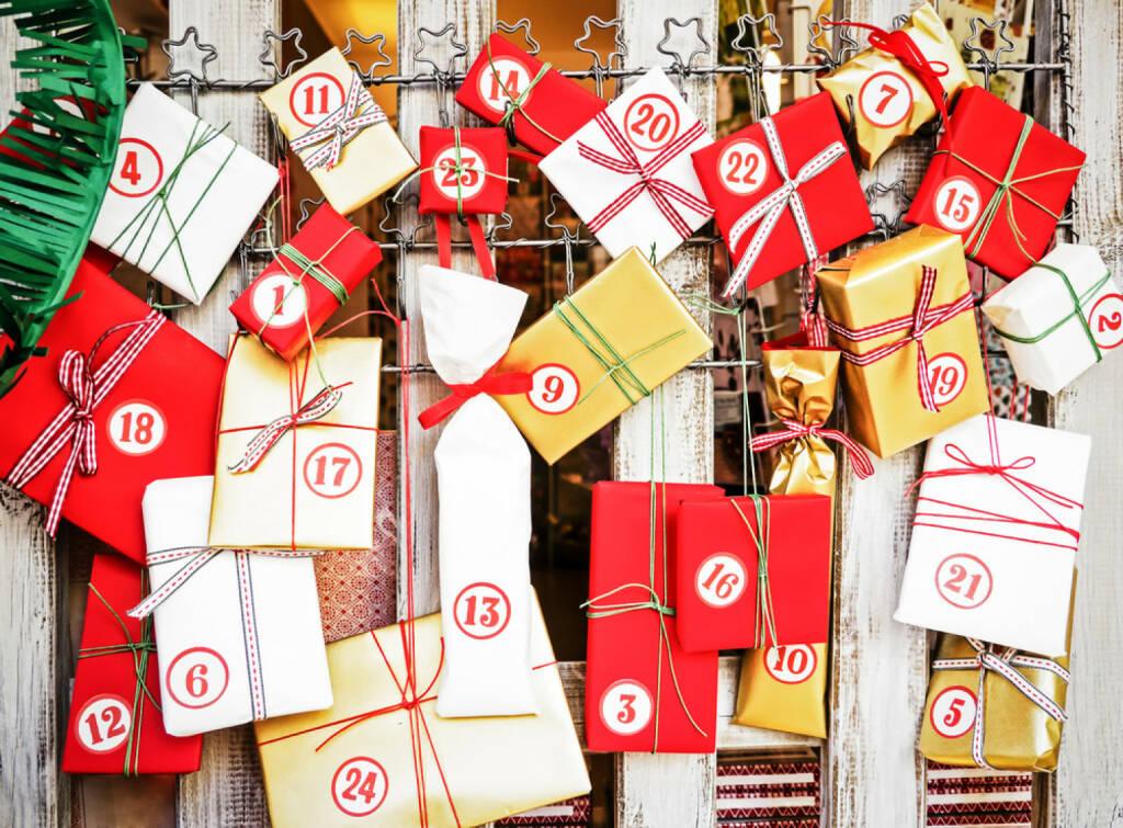 Weihnachten, Adventkalender, http://www.shutterstock.com/de/pic-120298789/stock-photo-nice-advent-calendar-with-small-gifts.html, © www.shutterstock.com (05.11.2014)