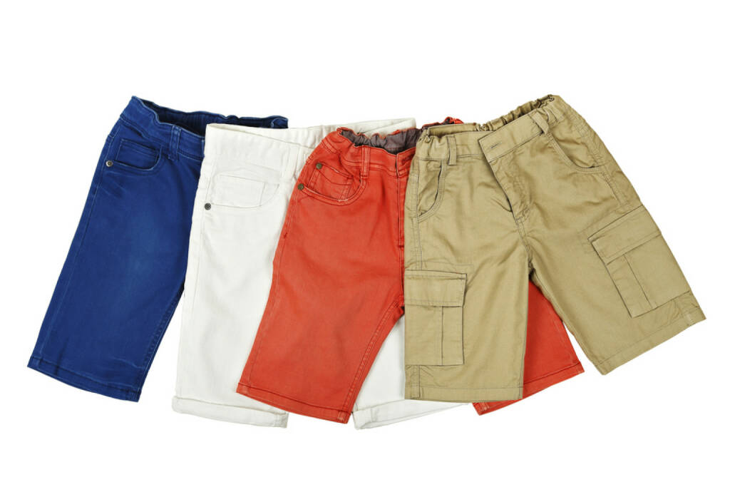 Shorts, Hosen, http://www.shutterstock.com/de/pic-203120593/stock-photo-four-pairs-of-colorful-shorts-on-white.html, © www.shutterstock.com (17.01.2018)