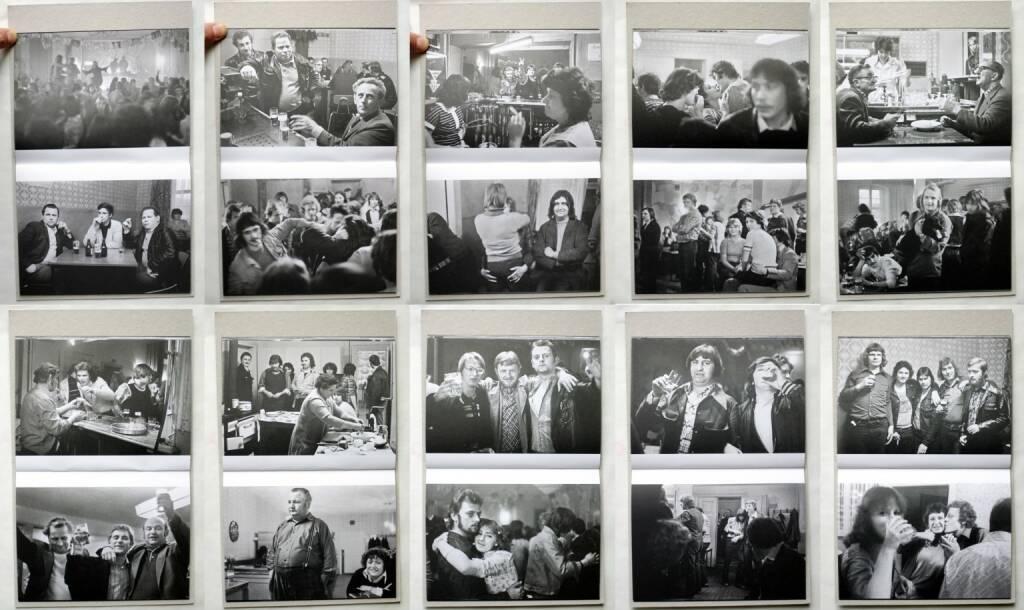 Thomas Kläber - Tanz - Beyern 1978-1980, ex pose 2014, Beispielseiten, sample spreads - http://josefchladek.com/book/thomas_klaber_-_tanz_-_beyern_1978-1980, © (c) josefchladek.com (10.11.2014)