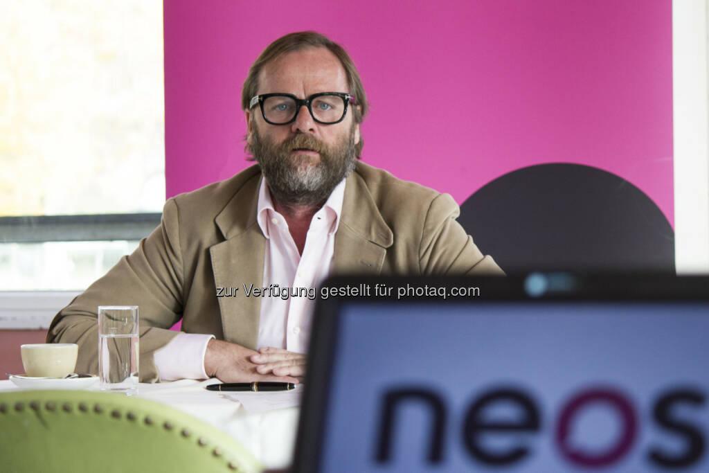 Sepp Schellhorn (Neos Wirtschaftssprecher): Wirtschaftsprogramm von Unternehmen für Unternehmen, startet Tour für ein unternehmerisches Österreich (Bild: Neos) (10.11.2014)