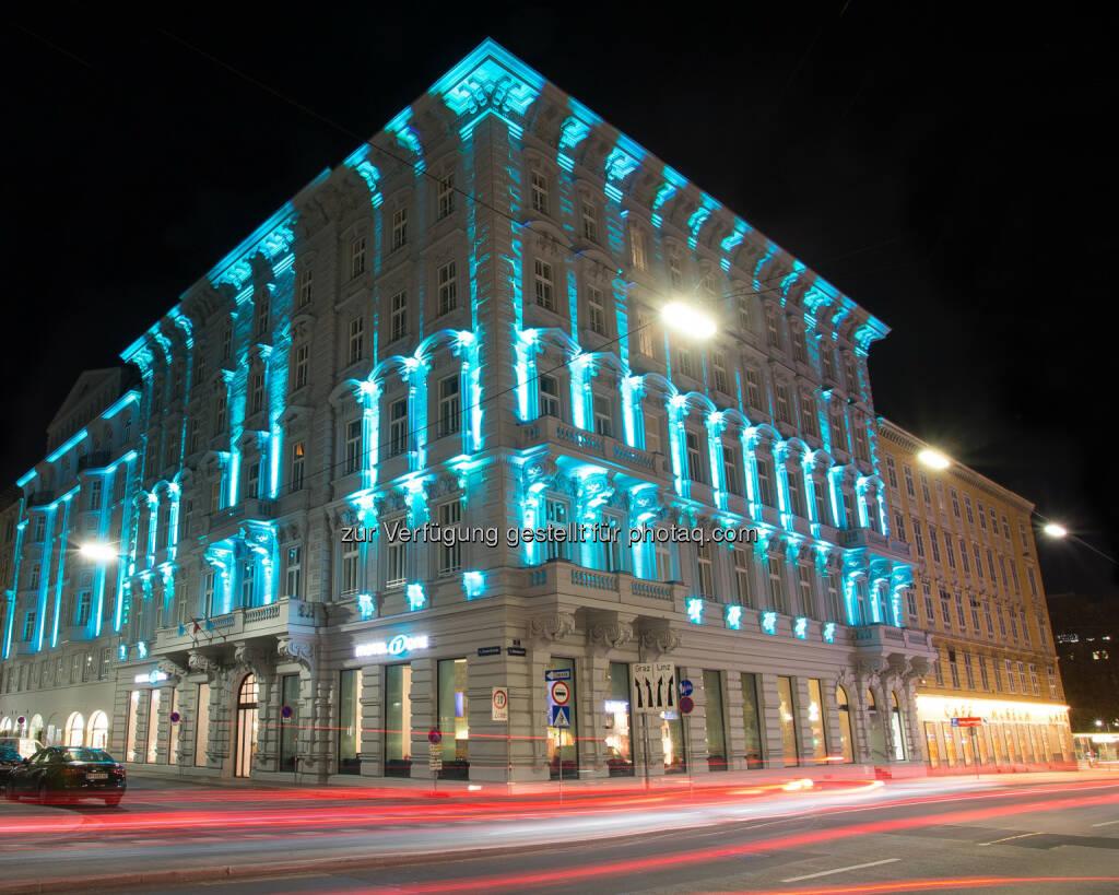 Verkehrsbüro Group: Motel One Wien-Staatsoper eröffnet: Viel Design für wenig Geld in einer historischen, denkmalgeschützten Immobilie, © Aussendung (11.11.2014)