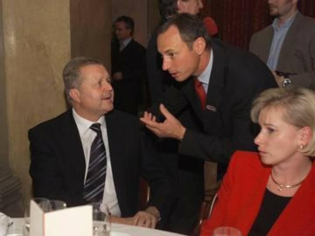 Sponsorentisch: Wolfgang Auer von Welsbach, Toni Schutti und Maria Auer von Welsbach beim Fachsimpeln (17.11.2014)