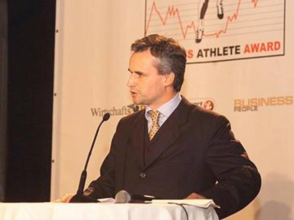Axel Mader bedankte sich bei den rund 150 Galagästen und den Sponsoren (17.11.2014)