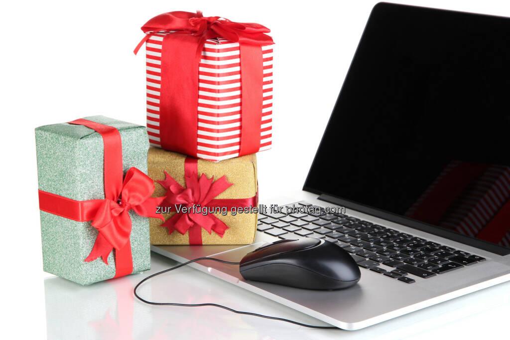 Österreichisches E-Commerce Gütezeichen: 10 Tipps für ein sicheres Weihnachts-Shopping im Internet, mehr dazu unter https://www.guetezeichen.at/konsumentinnen/vorteile-fuer-konsumentinnen.html  (Bild: Africa Studio - Fotolia), © Aussender (19.11.2014)