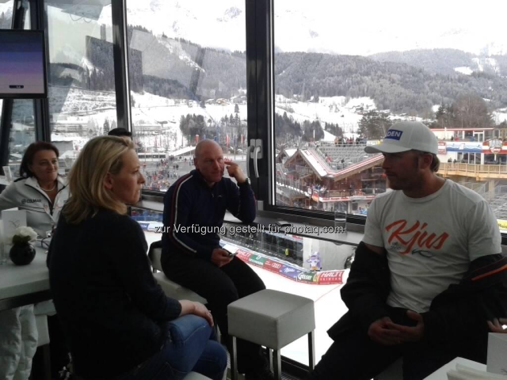 Bode Miller und Didier Cuche berichten heute live aus der Lounge des voestalpine skygate, siehe http://www.voestalpine.com/wmblog/2013/02/06/hinter-den-kulissen-mit-bode-miller-und-didier-cuche/#.URKBgo7aK_S, &copy; <a href=