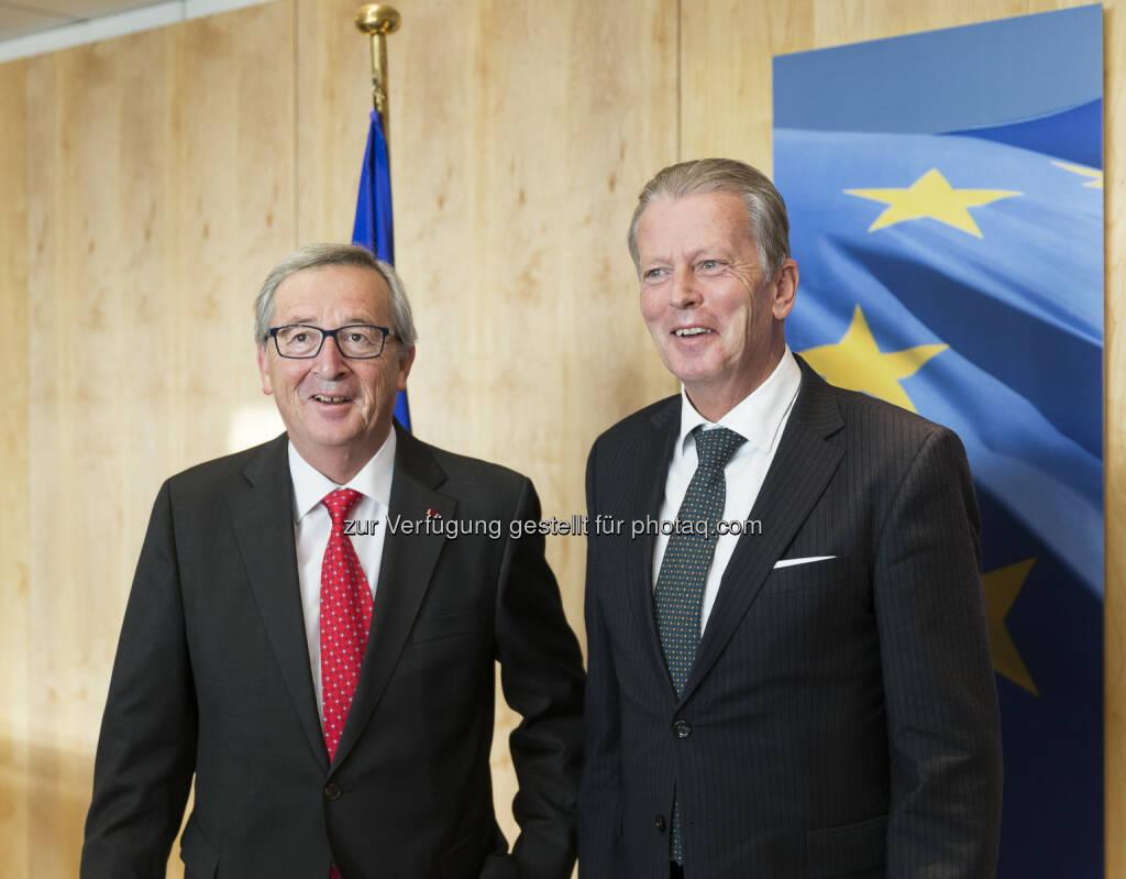 Vizekanzler Reinhold Mitterlehner mit EU-Kommissionspräsident Jean-Claude Juncker in Brüssel: Konjunktur stärken, Wachstum und Beschäftigung sichern (22.11.2014)