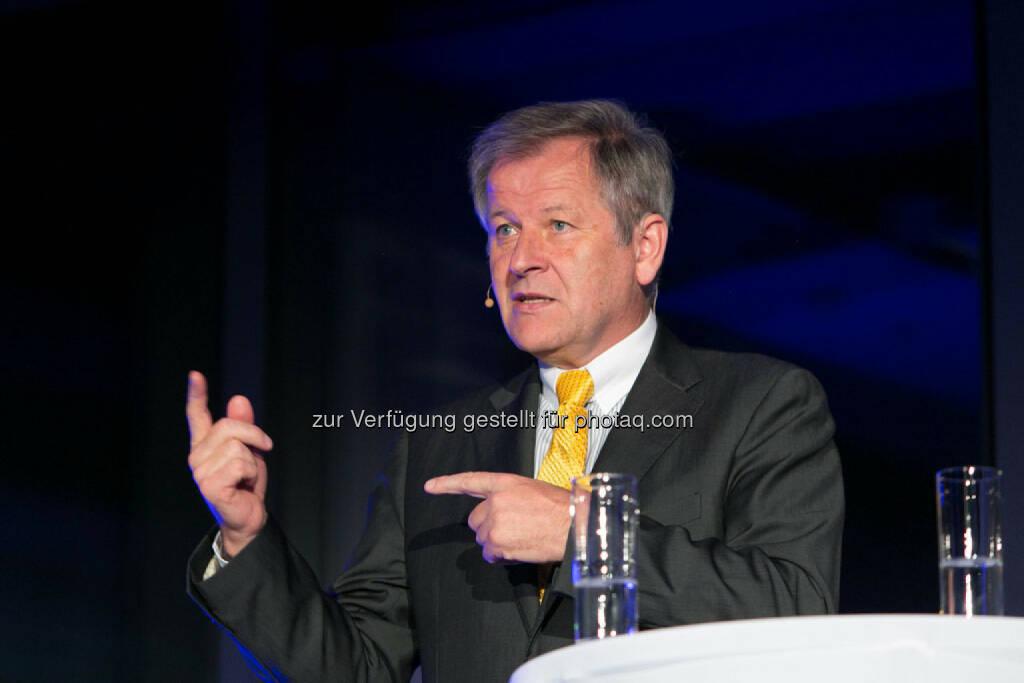 Eduard Zehetner (CEO Immofinanz), http://privatanleger.immofinanz.com/, © Martina Draper für Immofinanz (27.11.2014)