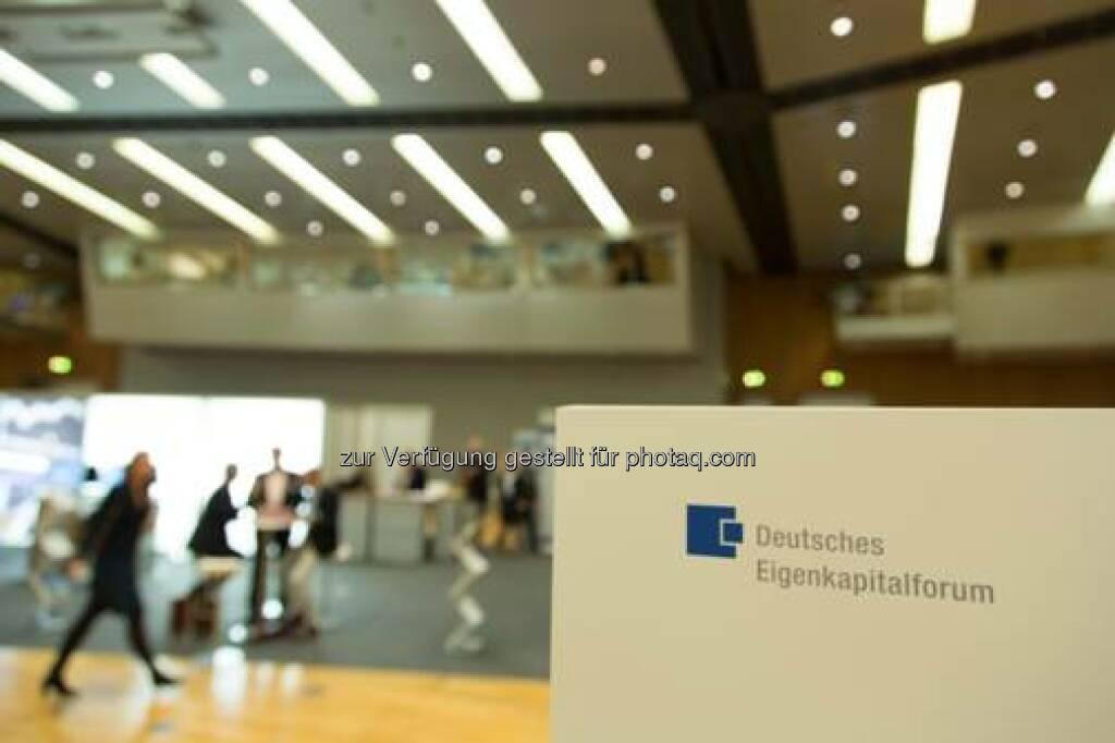 Vom 24. bis 26. November 2014 fand in der Frankfurter Messe das alljährliche Deutsche Eigenkapitalforum statt. Die Kapitalmarktkonferenz ist Europas größte Informations- und Netzwerkplattform. Organisiert wird das Forum von der Deutschen Börse und der KfW als Mitveranstalter. (27.11.2014)
