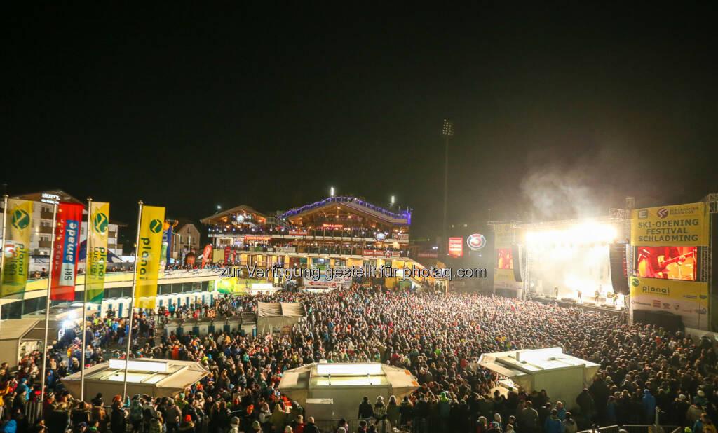Planai-Hochwurzen-Bahnen GmbH: Party hoch 5 auf der Planai: Mehr als 9.000 Fans beim großen Ski-Opening Festival in Schladming, © Aussendung (29.11.2014)