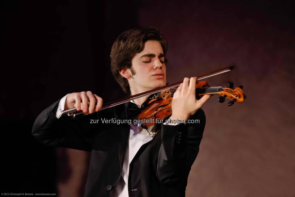 Emmanuel Tjeknavorian: Universität für Musik und darstellende Kunst Wien: 19-jähriger Geiger gewinnt Casinos Austria Rising Star Award, © Aussender (29.11.2014)