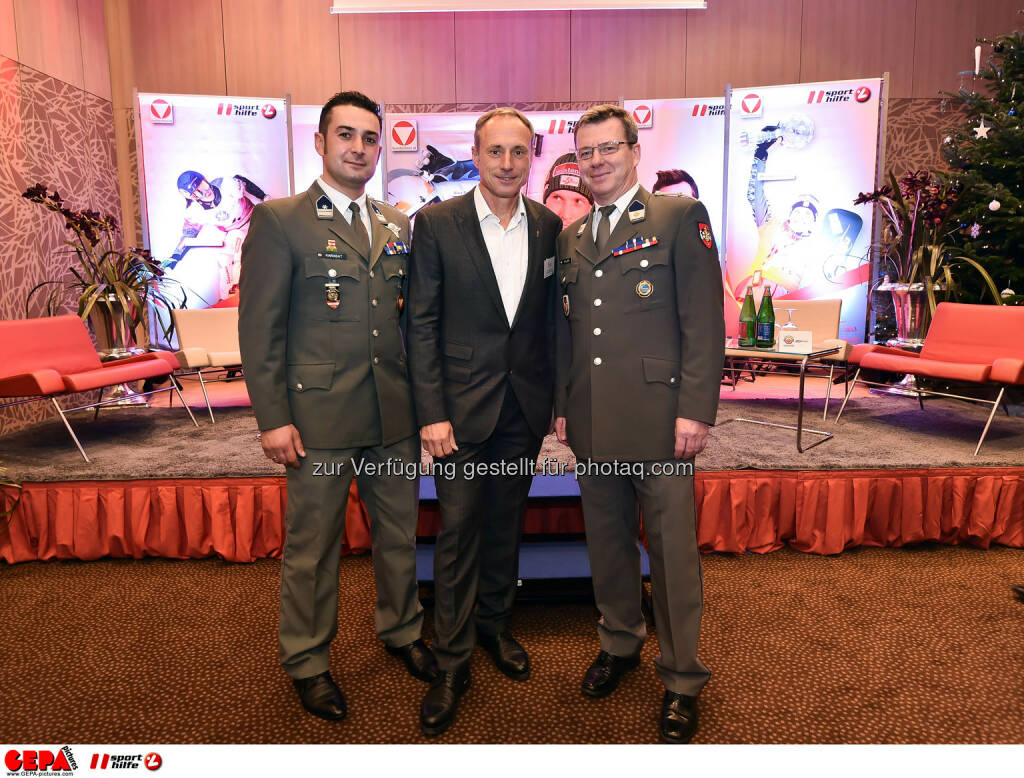 Hakan Karabat, Anton Schutti und Bernd Holzer. (Photo: GEPA pictures/ Martin Hoermandinger) (02.12.2014)
