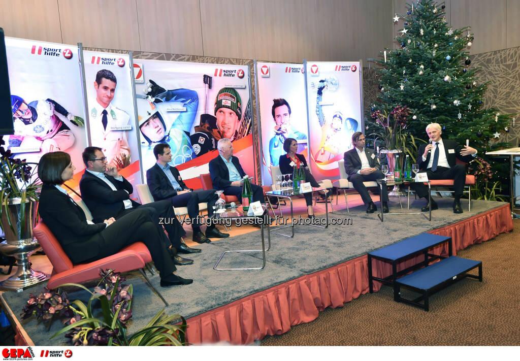 Podium mit Renate Imobersdorf, Wolfgang Mayer, Christian Moser, Sigi Heinrich, Nicole Trimmel, Christoph Schmoelzer und Zsolt Kovacs. (Photo: GEPA pictures/ Martin Hoermandinger) (02.12.2014)