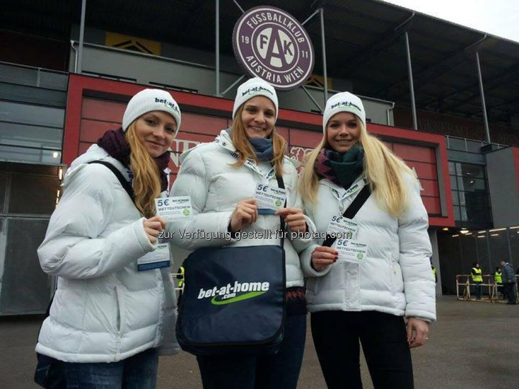 bet-at-home.com - unsere Mädels sind schon unterwegs rund um die Generali-Arena. :-)  Source: http://facebook.com/betathomecomAustria, © Aussendung (06.12.2014)
