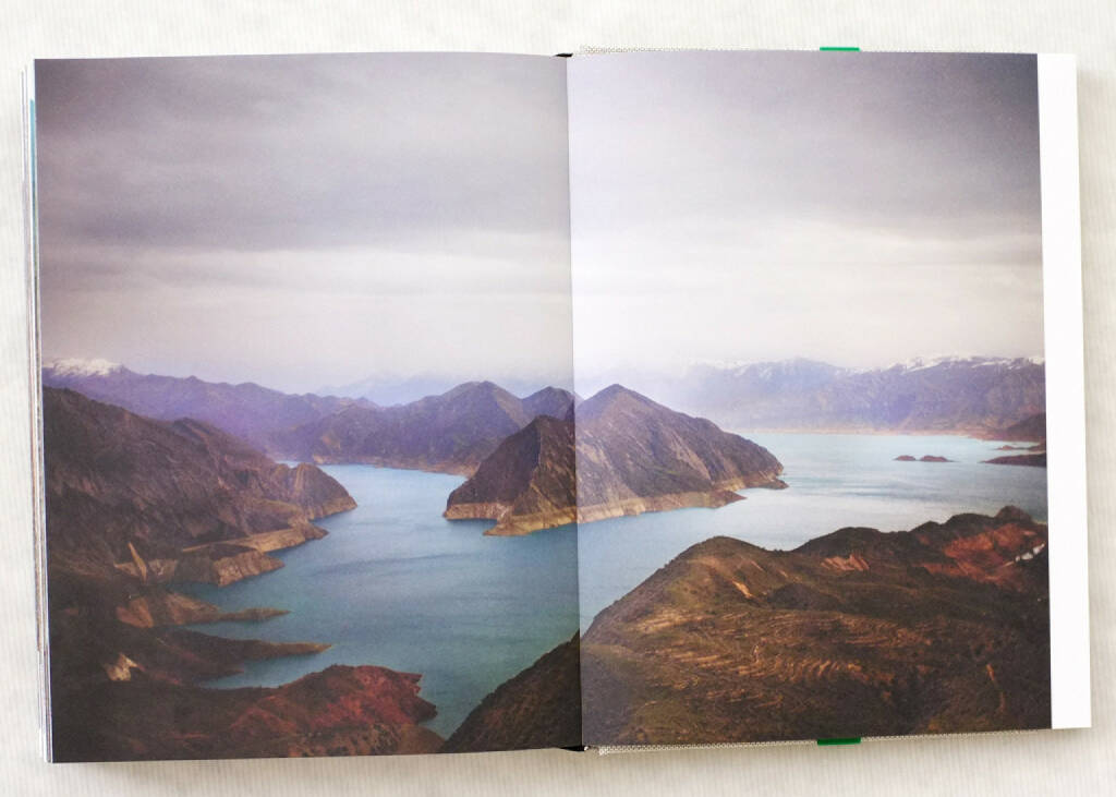 Drake, Carolyne - Two Rivers (2013), 250-350 Euro, http://josefchladek.com/book/carolyn_drake_-_two_rivers (08.12.2014)