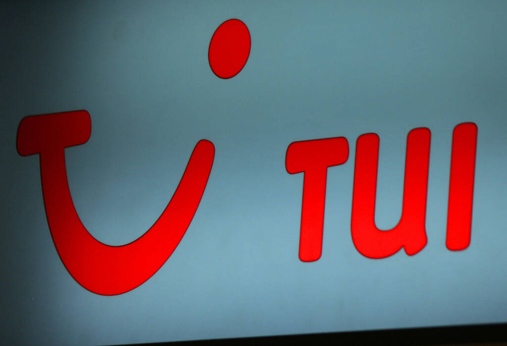 TUI Logo <a href=http://www.shutterstock.com/gallery-320989p1.html?cr=00&pl=edit-00>360b</a> / <a href=http://www.shutterstock.com/editorial?cr=00&pl=edit-00>Shutterstock.com</a>, © www.shutterstock.com (11.12.2014)