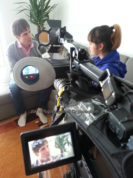 Johanna Holzer im Gespräch mit Kombinierer-Legende Felix Gottwald im Blogger Quartier http://voestalpine-wm-blog.at/2013/02/08/felix-gottwald-letzendlich-war-es-nicht-mehr-als-langlaufen-und-skispringen/#.URYSFo7aK_Q, &copy; <a href=