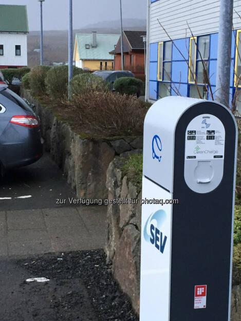 RWE weiht gemeinsam mit Partner Ladepunkt für Elektroautos auf den Färöer-Inseln ein., © Aussendung (22.12.2014)