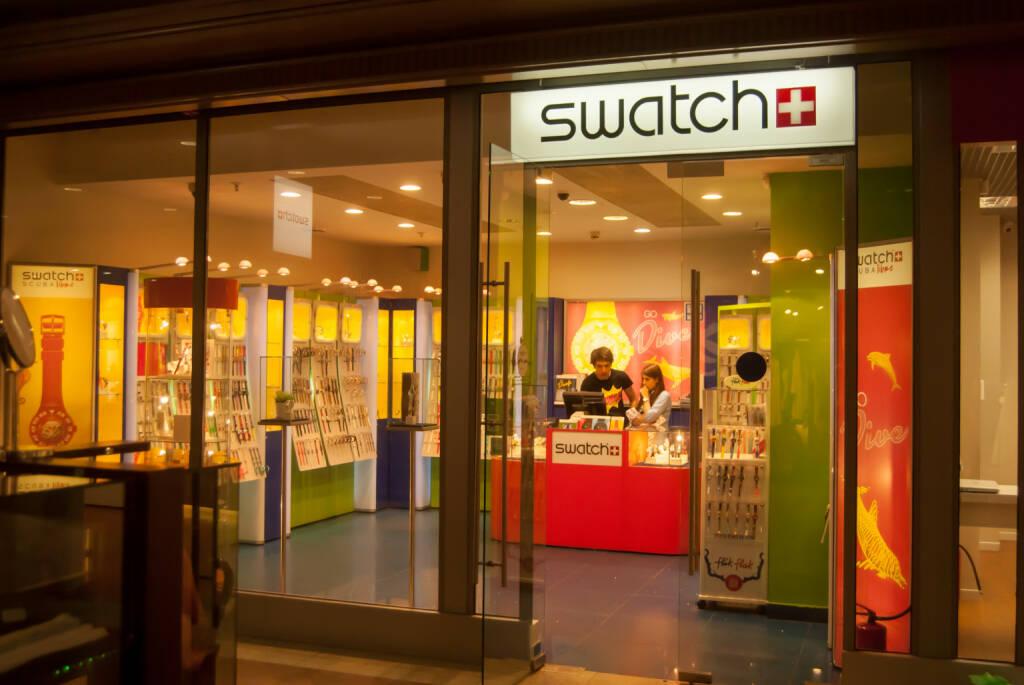 Swatch store <a href=http://www.shutterstock.com/gallery-1489708p1.html?cr=00&pl=edit-00>Romas_Photo</a> / <a href=http://www.shutterstock.com/editorial?cr=00&pl=edit-00>Shutterstock.com</a>, © www.shutterstock.com (30.12.2014)