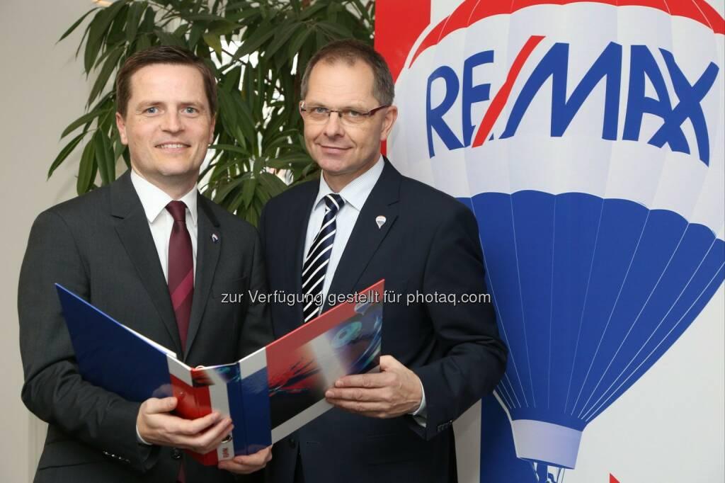 Bernhard Reikersdorfer, (Geschäftsführung RE/MAX Austria),  Anton Nenning (Managing Director RE/MAX Austria): Immobilienverkäufe in Österreich 2014 auf Rekordniveau, © Aussender (07.01.2015)