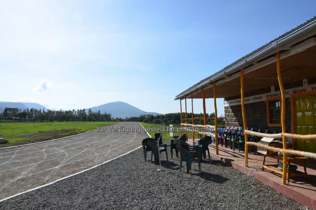 Eröffnung des Run2gether- Kiambogo Primary School – Stadium, Aschenbahn, Laufbahn, © Run2gether (07.01.2015)