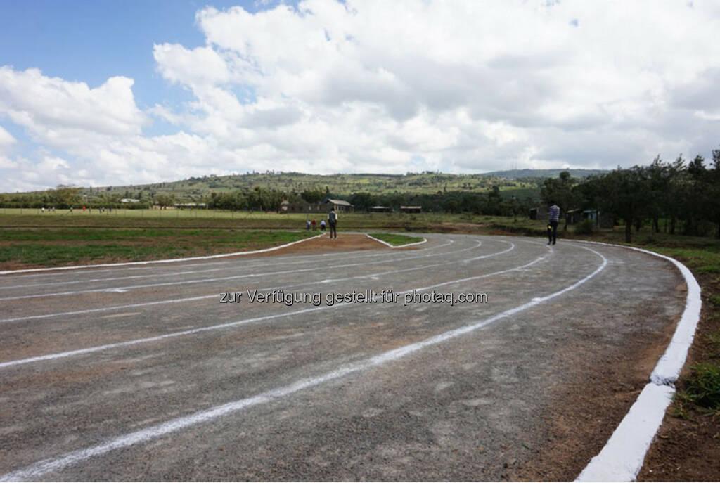 Eröffnung des Run2gether- Kiambogo Primary School – Stadium, Laufbahn, © Run2gether (07.01.2015)