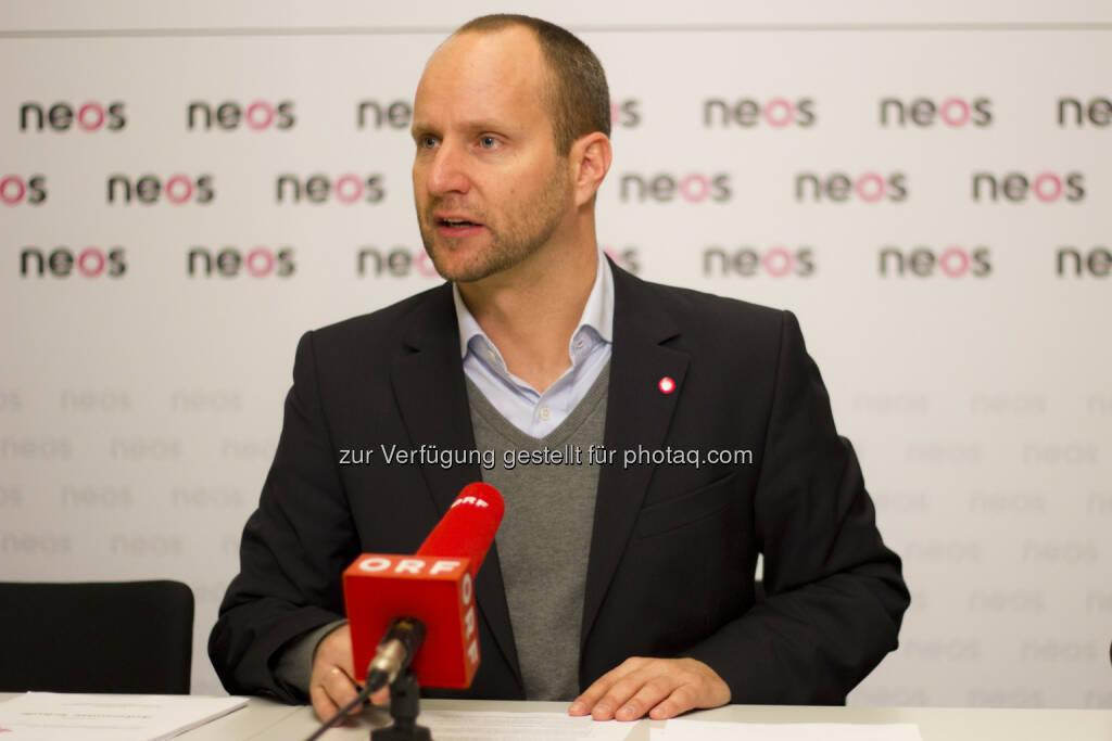 Matthias Strolz (Neos) : Schüler in den Niederlanden profitieren von den Freiheiten, die den Schulen gewährt werden (Bild: Neos) (09.01.2015)