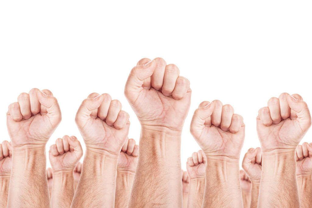 Gewerkschaft, Arbeitskampf, Streik, Protest, Faust, Fäuste -  http://www.shutterstock.com/de/pic-241610767/stock-photo-labour-movement-workers-union-strike-concept-with-male-fists-raised-in-the-air-fighting-for-their.html, © www.shutterstock.com (13.01.2015)