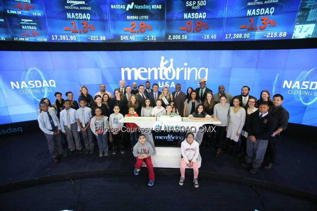 Mentoring USA rang the Nasdaq Closing Bell along with Miss New York USA, Kenneth Cole, PIX 11 BigBrothers BigSisters Citizen Schools and Eagle Academy for Young Men   Newark #NationalMentoringMonth  Source: http://facebook.com/NASDAQ (15.01.2015)