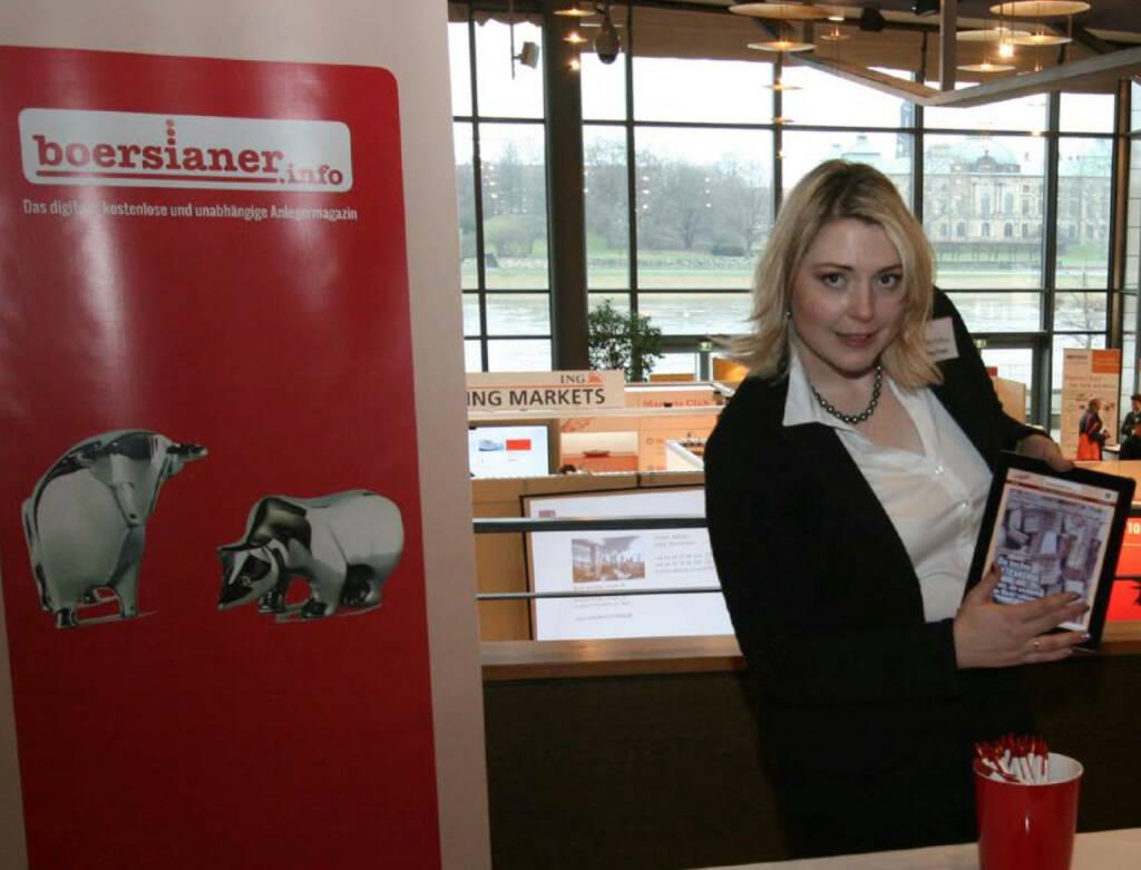 boersianer.info Anzeigenleiterin Stephanie Stefaniak am Börsentag in Dresden © boersianer.info (24.01.2015)