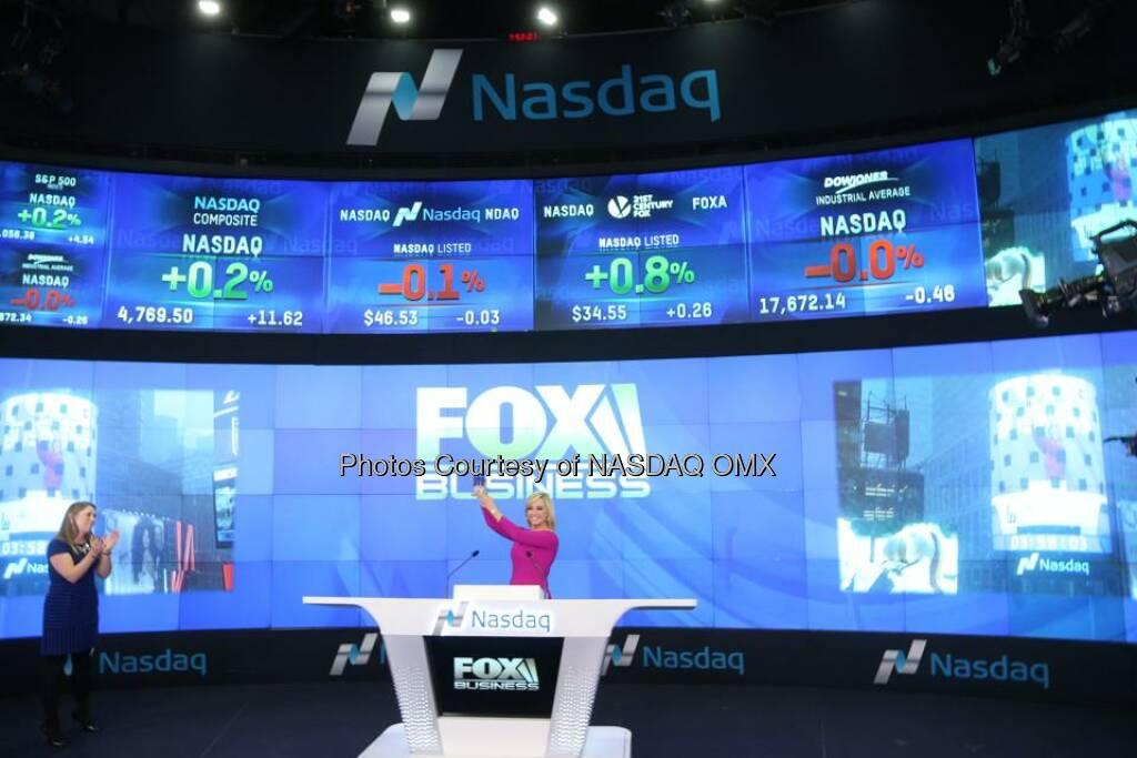 Fox Business' Strange Inheritance with Jamie Colby rings the Nasdaq Closing Bell! $FOXA  Source: http://facebook.com/NASDAQ (27.01.2015)