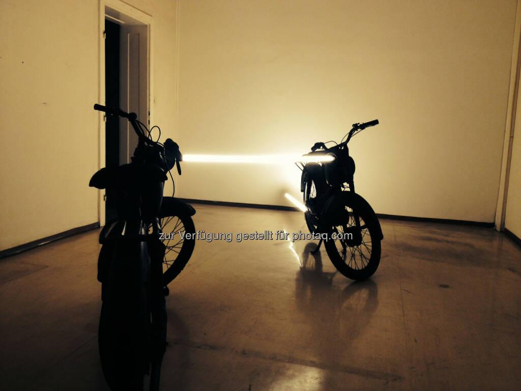Arbeit von Markus Taxacher für die Ausstellung random thoughts of a daily light im Kunstverein das weisse haus, © Aussendung (27.01.2015)