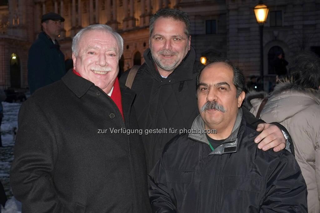 Bürgermeister Michael Häupl, Willi Merny (Mauthausenkomitee), Keivan Amiri (Taxistreik) - Taxistreik - 50000 Gründe: Protest im Taxi-Korso gegen Akademikerball (Bild: 50000Gründe), © Aussender (28.01.2015)