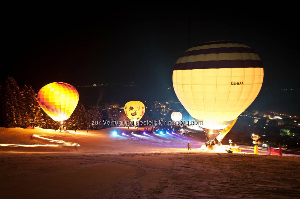 Zell am See-Kaprun: Über weiße Landschaften schweben: Österreichs internationale Ballonwoche in Zell am See-Kaprun, © Aussender (29.01.2015)