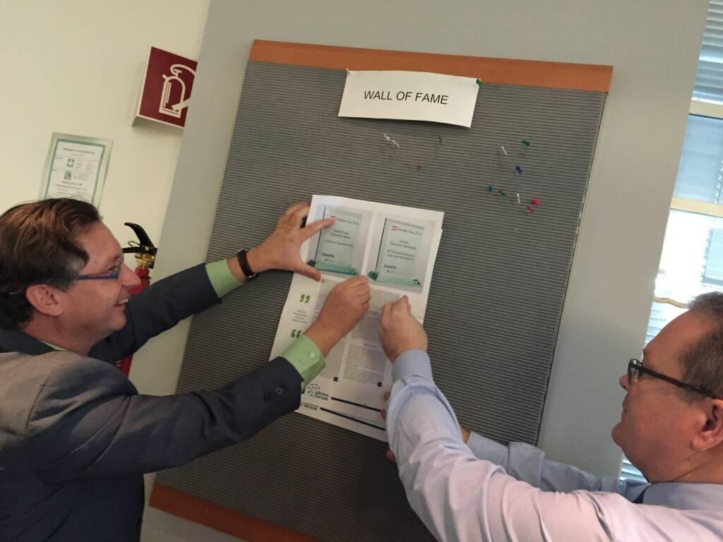 Die Wall of Fame bei der Erste Sparinvest zum Zwecke des Number-One-Nummer-Pinnens gleich im neuen Aufbau (03.02.2015)
