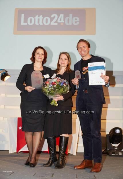Petra von Strombeck (Vorstandsvorsitzen de Lotto24), Petra Stangier, Magnus von Zitzewitz (Vorstand): Lotto24 erhält Gütesiegel »Hamburgs beste Arbeitgeber«, © Aussendung (05.02.2015)
