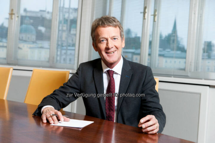 Walter Schnitzhofer vom Family Management des Bankhaus Spängler: Management kompakt – Ausbildung für Führungskräfte startet