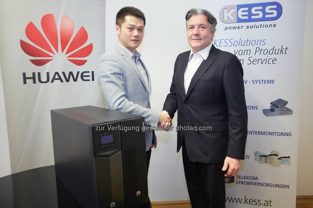 Jay Peng, Managing Director, Huawei Austria und Franz Kasyan, Geschäftsführer, Kess Power Solutions: Huawei Technologies Austria GmbH: Huawei steigt in Österreich in den USV-Markt ein, © Aussendung (19.02.2015)